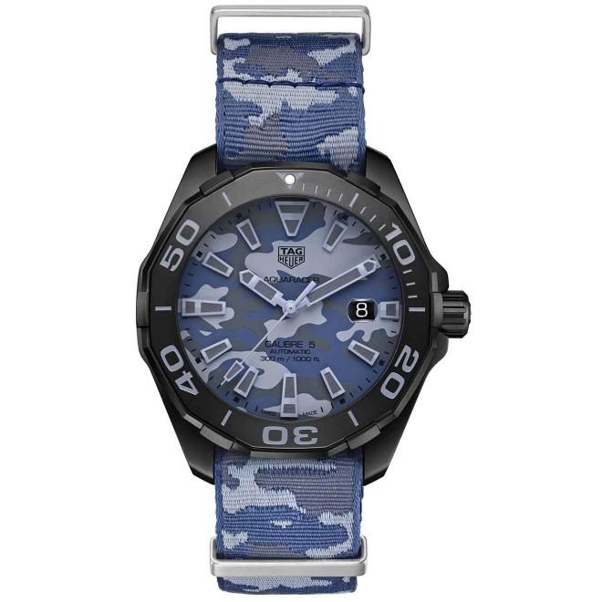 TAG HEUER AQUARACER Calibre 5 Reloj automático 300 M - ∅43 mm, Esfera azul camuflaje, correa OTAN